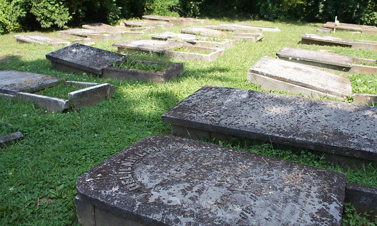 hope-moravian-cemetery-3
